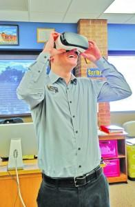 Jonathan Toman, editor of the Scribe, tries the Samsung Gear VR. Megan Lunsford | The Scribe